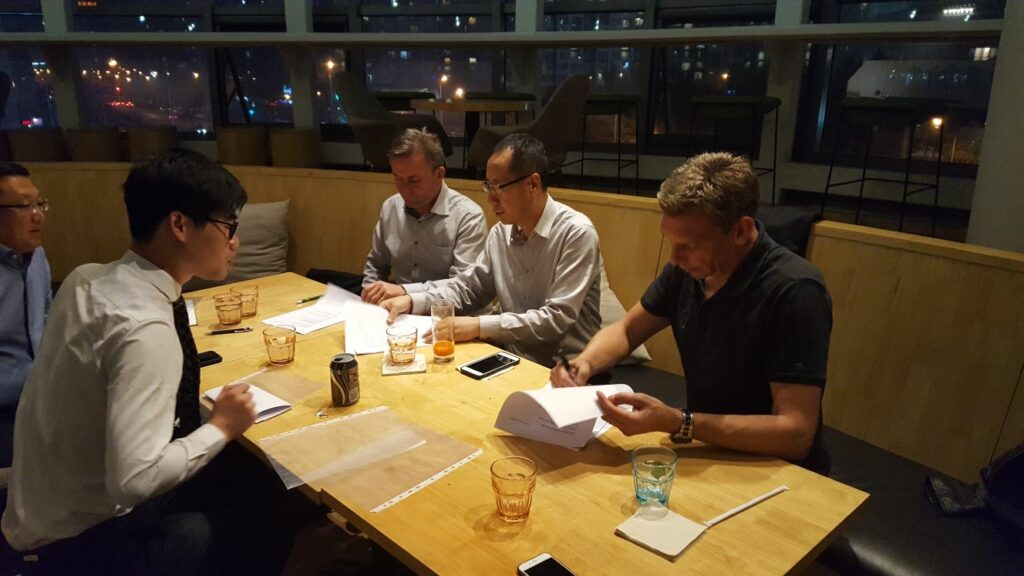 Contracttekening ITB-FendyTech