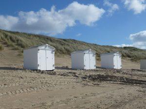 Demontabele kunststof strandhuisjes op locatie